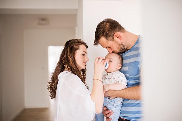 dar água para o bebê