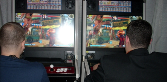SFIV Twin Player Cabinets @ E3, Release Hits Japan Tomorrow