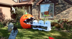 Pac-Man Halloween Lawn Decorations