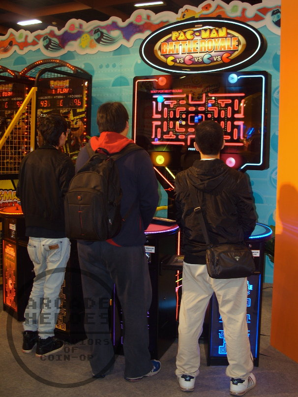 2013_GTI_Day1_Namco_Pac-Man_Zone_Battle_Royale_Machine