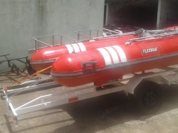 Carreta para barco de 4 a 6 mts