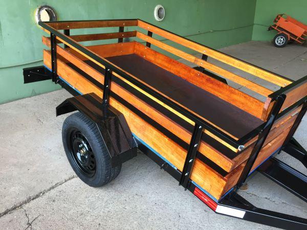 Carreta Fazendinha mista carga / 1 moto 1,10 x 2,20