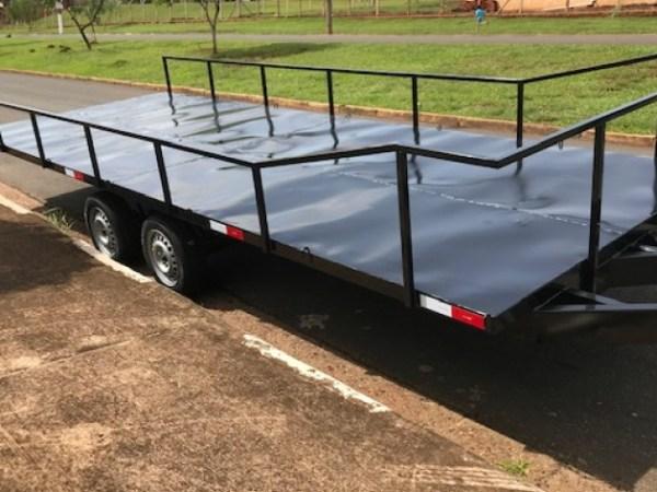 Carreta para transporte para 10 banheiros químicos c/ freio