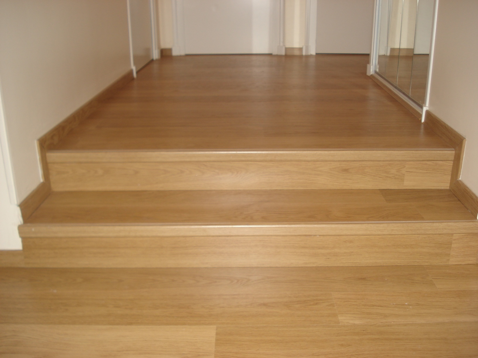 parquet grand passage castorama carrelage 2 euros. Black Bedroom Furniture Sets. Home Design Ideas