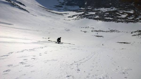 skiing sneachda