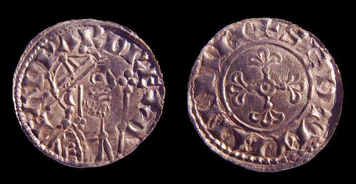 This coin is a 'mule', created using two dies from different coins – one side shows a design from an issue of Edward the Confessor (RIGHT) and the other bears one of William I (LEFT).