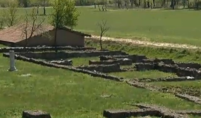 The planned summer 2015 excavations of the Ancient Roman ceramic factory and Roman villa estate (pictured) in Bulgaria's Pavlikeni will have to be put on hold for the rest of 2015 because the local authorities are redirecting their archaeology funding for rescue excavations of the town's streets during a water supply infrastructure project. Photo: TV grab from TV7
