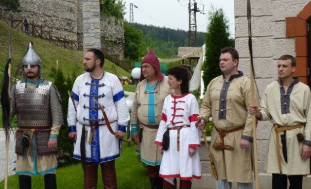Participants in the Festival of MedievaCrafts and Culture hosted by the Kaleto Fortress in Bulgaria's Mezdra. Photo: Mezdra Municipality