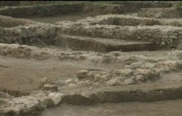 A 4th century AD Roman villa has been discoverd in rescue excavations on the route of the Struma Highway in Bulgaria's Mursalevo. Photo: TV grab from Nova TV