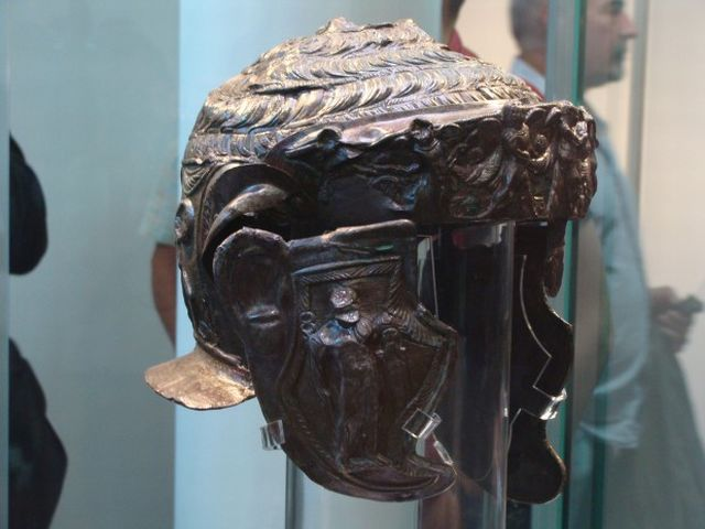 A view of the right side of the Ancient Thracian aristocrat's helmet found in the Thracian burial mound (tumulus) Pamuk Mogila in Bulgaria's Brestovitsa in 2013. Photo: Plovdiv24
