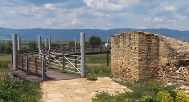 The so called Panoramic Bridge built at the Kabile Archaeological Preserve provides the tourists with a better viewing point. Photo: TV grab from News7
