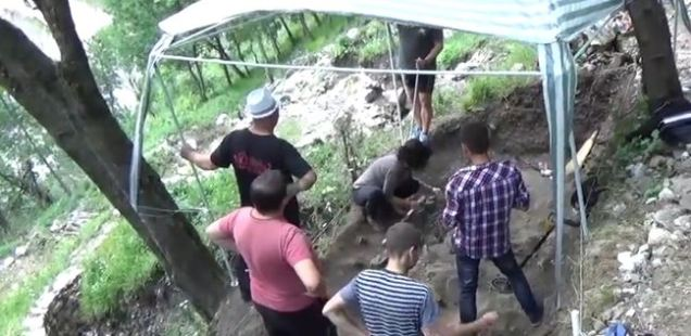 Bulgarian Archaeologists Unearth Lots of Animal Bones at Ancient and Medieval Fortress Vratitsa (Gradishte) near Vratsa