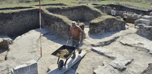 Treasure Hunters Steal Ancient Artifacts from Roman and Byzantine Fortress Zaldapa in Northeast Bulgaria