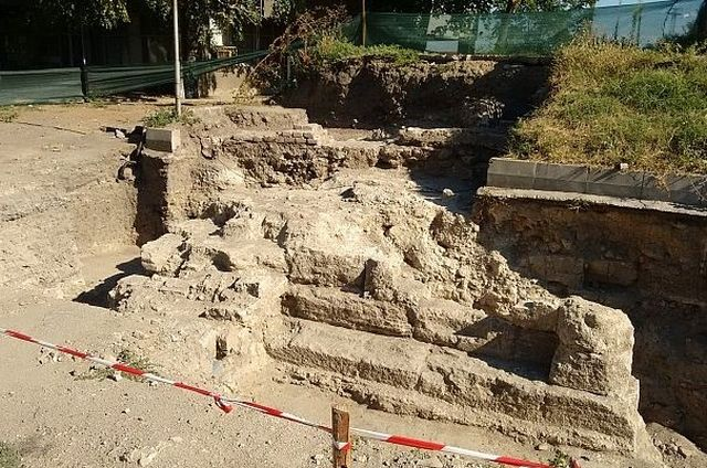 An archaeological structure from the Ancient Roman city of Almus in Bulgaria's Danube town of Lom revealed during the recent rescue excavations. Photo: DarikNews