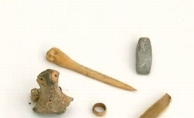 Cult artifacts discovered in the newly found cult complex in the prehistoric settlement in the Durankulak Lake in Northeast Bulgaria. Photo: TV grab from BNT
