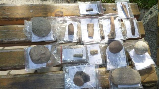 Prehistoric artifacts from the Chalcolithic period discovered during the latest digs at Kaleto Fortress in Mezdra in Northwest Bulgaria. Photo: Kmeta