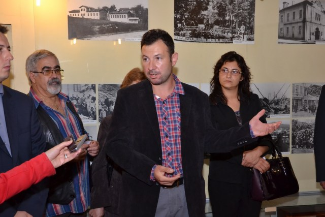 Lead archaeologist Iliyan Petrakiev from the Veliko Tarnovo Regional Museum of History at the opening of the exhibition of the new finds from the ancient and medieval fortress Rahovets. Photo: Gorna Oryahovitsa Municipality