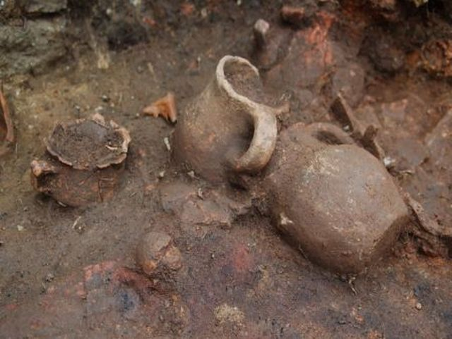 Ancient vessels found together with other household artifacts in the newly discovered Thracian ruler's residence near Brodilovo in Southeast Bulgaria. Photo: Tsarevo Municipality