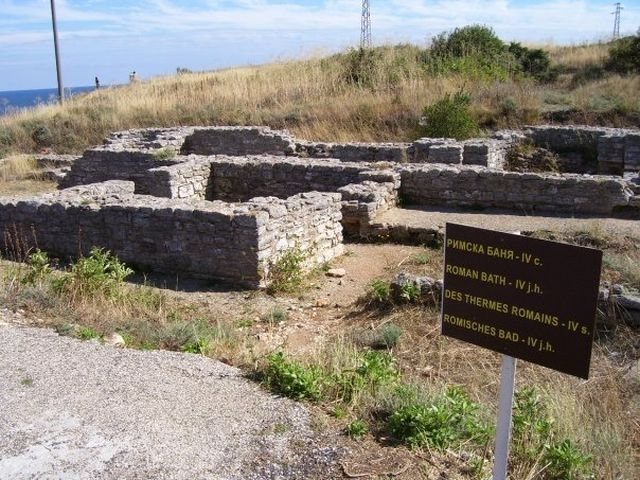 Pictured are the ruins of 4th century Ancient Roman thermae on the Cape of Kaliakra on Bulgaria's Northern Black Sea coast. Photo: ArchaeologyinBulgaria.com