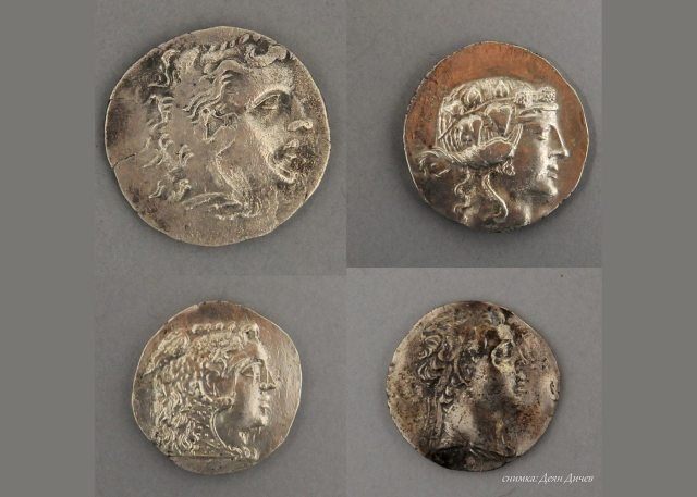 Ancient coins from the newly found coin treasures from the Thracian ruler's residence near Bulgaria's Brodilovo. Photo: Lead archaeologist Deyan Dichev/Tsarevo Municipality
