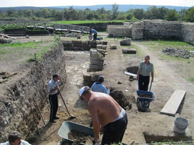 The 2015 archaeological excavations of the Kovachevsko Kale Fortress. Photos: Popovo Municipality