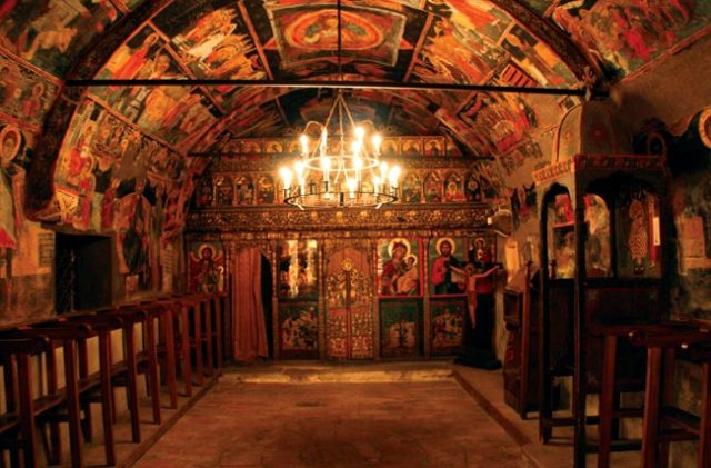 The interior of the naos of the 14th century Church of the Nativity of Christ in the Architectural Preserve town of Arbanasi near Bulgaria's Veliko Tarnovo. Photo: Veliko Tarnovo Regional Museum of History