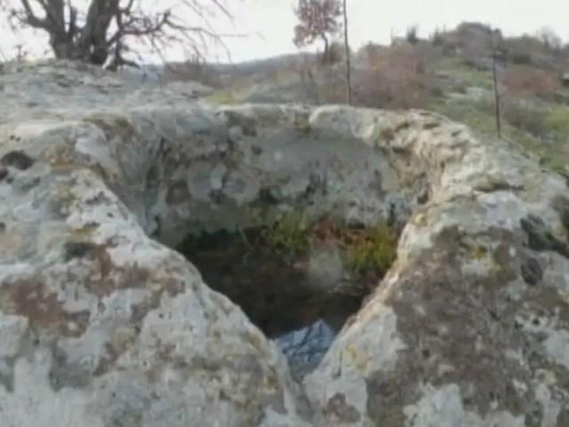 Thracian rock pyramid 4
