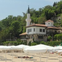 Historical Palace, Botanical Garden in Bulgaria's Black Sea Town Balchik Attracted over 200,000 Tourists in 2015