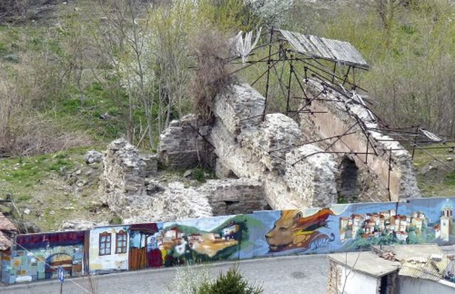 The ruins of Tsar Shishman's Bath in Bulgaria's Veliko Tarnovo, late medieval Bulgarian thermae (public baths) which are to be restored with Norwegian funding. Photo: Yantra Dnes daily