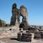 Mayor of Bulgaria's Kula Calls for Urgent Restoration of Ancient Thracian Fortress Castra Martis