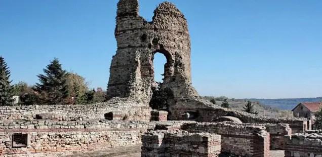 Mayor of Bulgaria's Kula Calls for Urgent Restoration of Ancient Thracian Fortress Castra Martis