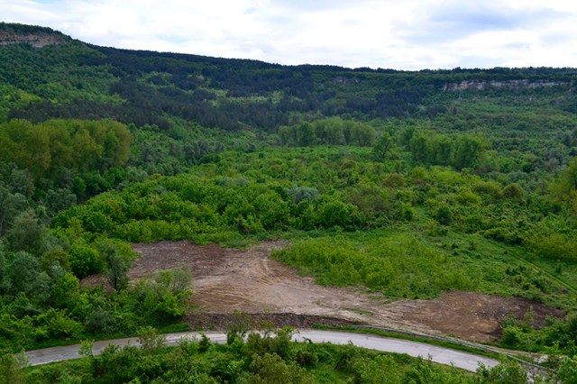 The clearned-up site of the illegal dumpsite. Photo: Veliko Tarnovo Municipality