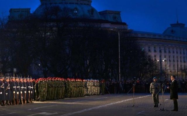 March 3, Bulgaria's National Liberation Day, is celebrated with military honors in downtown Sofia, a ceremony led by the President, Rosen Plevneliev (right). Photo: Bulgarian Presidency