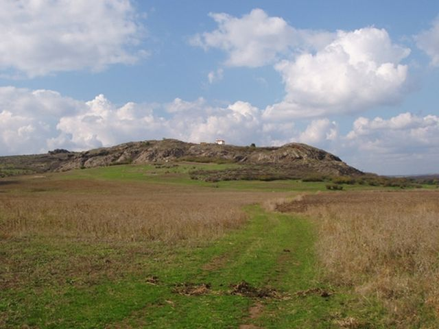 The rocky hill where the ruins of Rusocastro, a major medieval Byzantine and Bulgarian fortress and city, are located. Photo: Burgas Regional Museum of History