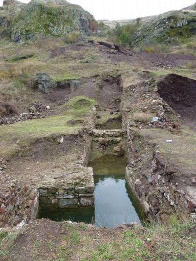 The excavations of the well tower (above) and other structures at the Ruscoastro Fortress in Southeast Bulgaria. Photos: Burgas Regional Museum of History