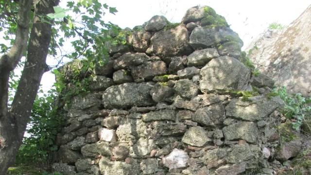 Part of the ruins of the Buzovo Kale Fortress near Bulgaria's Kazanlak and Buzovgrad. Photo: BNR