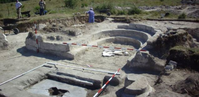 Archaeologist Discovers Large Early Christian Basilica with Unusually Tall Synthronon in Palmate Fortress in Northeast Bulgaria