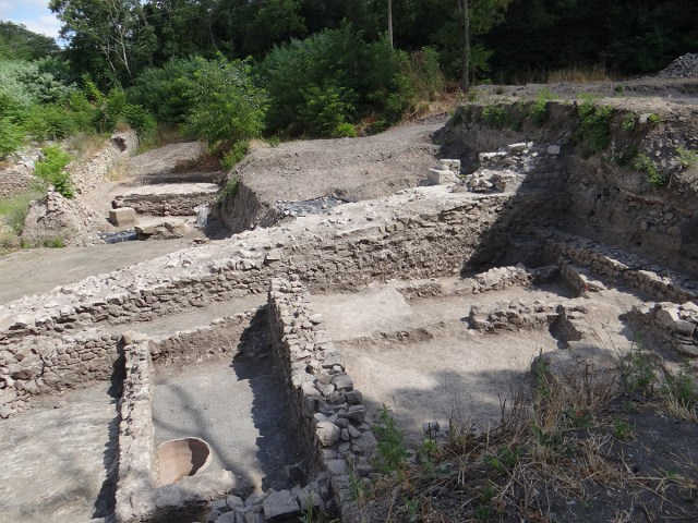 The traces of fire in 4th century AD structures in the ancient city of Aquae Calidae in Bulgaria's Burgas are the result of Goth raids, the archaeologists have found. Photo: Burgas Regional Museum of History