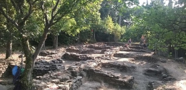 Archaeologists Find Medieval Inn 'with Brothel' in Kastritsi Fortress on Bulgaria's Black Sea Coast