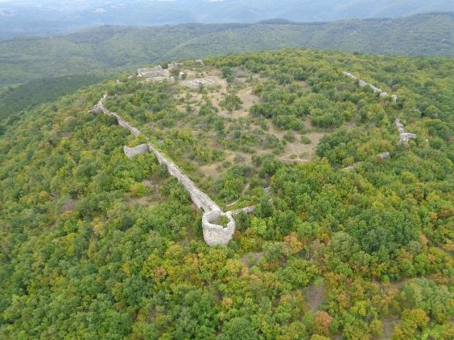 An aerial view of the Lyutitsa Fortress near Bulgaria's Ivaylovgrad. Photo: Haskovo.net