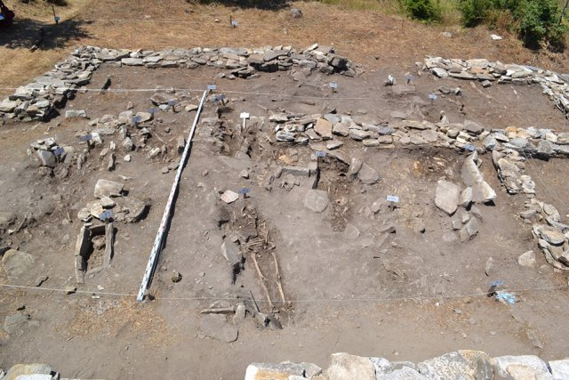 The newly unearthed graves in the 14th century necropolis around the 10th century basilica in the Lyutitsa Fortress. Photo: Ivaylovgrad Municipality Facebook Page