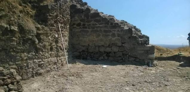 Archaeologists Find Main Gate, Fully Preserved 14th Century Cobblestone Road in Rusocastro Fortress in Southeast Bulgaria