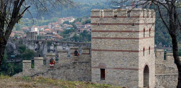 Bulgaria's Veliko Tarnovo Unveils Newly Restored Trapesitsa Fortress in Controversial Project with Azerbaijan Funding