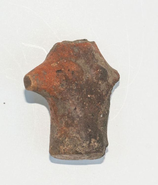 A clay figurine depicting a female torso with open arms has been the second find of its type since the Chalcolithic site in Kamenovo was discovered in the spring of 2015. Photo: Razgrad Regional Museum of History