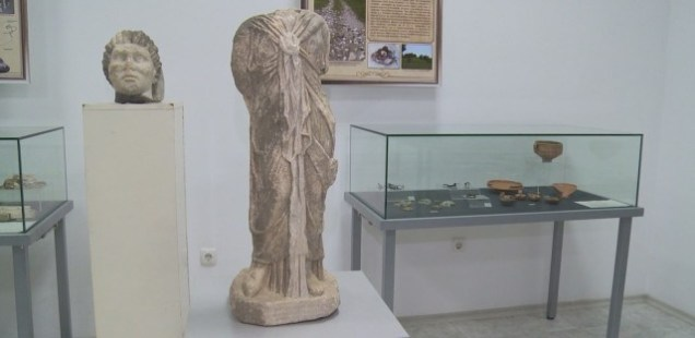 Archaeologists Find Statue of Egyptian Goddess Isis, Satyr's Head at Roman Villa, Nymphaeum in Bulgaria's Kasnakovo