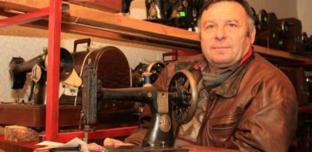 Collector Donates 178 Sewing Machines to History Museum in Bulgaria's Veliko Tarnovo, Oldest Is from 1893