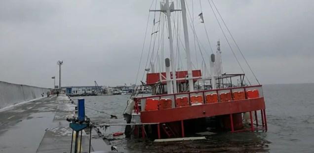 Storm Sinks Ship Used to Take Tourists to Bulgaria's St. Anastasia Island in Black Sea off Coast of Burgas
