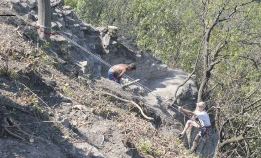 'Extremely Rare' Wall Tower Discovered in Medieval Trapesitsa Fortress in Bulgaria's Veliko Tarnovo