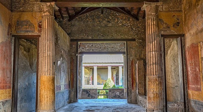 Tablinum – Main Living Room in a Former Italian House