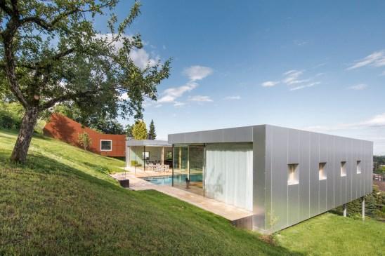 Courtyard House / Christian Tonko